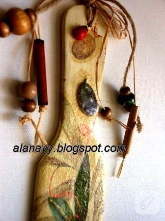 Dekupaj ve kabartmalı duvar süsü