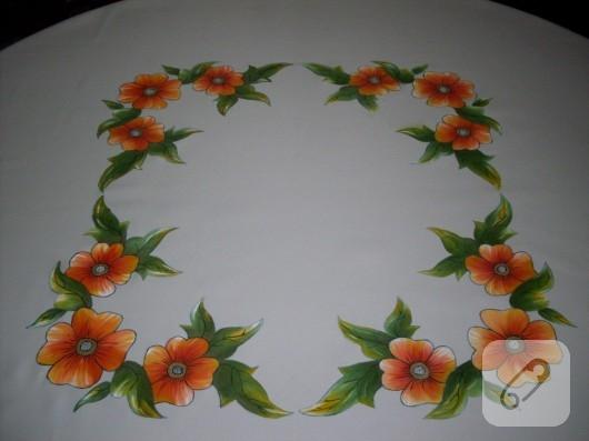 Kumaş boyama çiçekli masa örtüsü