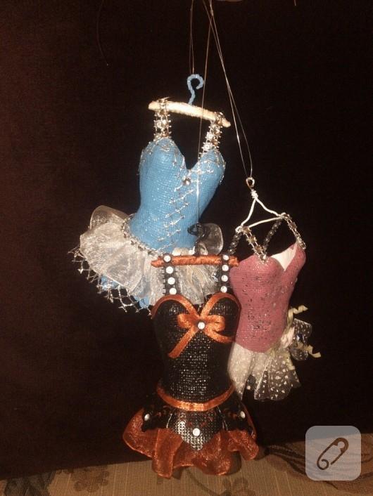 Minyatür elbiseler