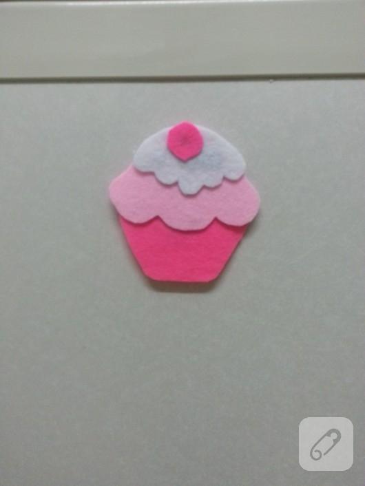 Pembe cupcake keçe magnet