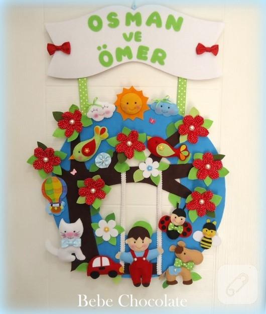 Çocuk odaları için salıncaklı kapı süsü