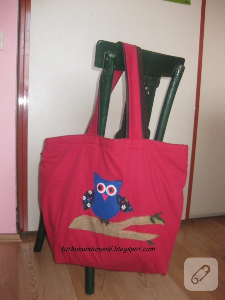 Bu çantayı yaparken giyilmeyen etekleri kullandım. Çift taraflı kullanışlı bir çanta oldu.