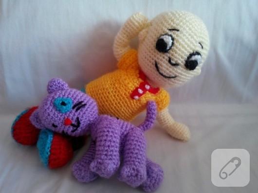 amigurumi-caillou-orgu-oyuncak-2