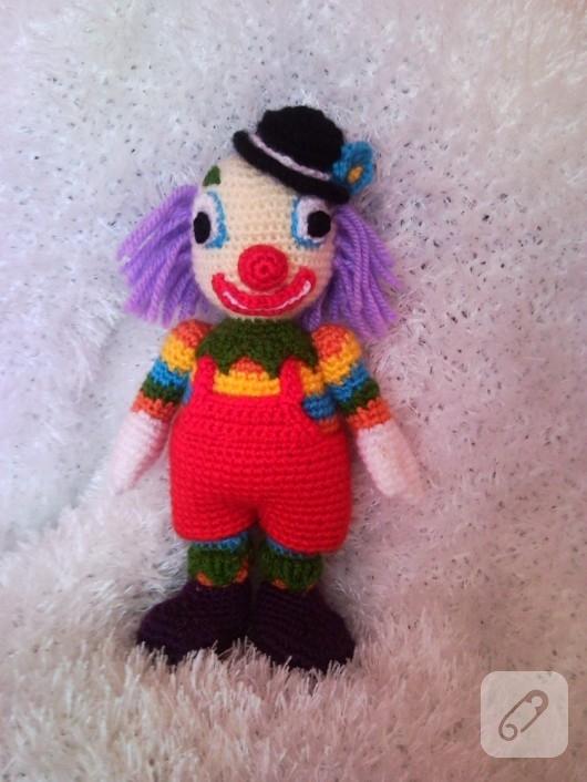 amigurumi-palyaco-orgu-oyuncak-modelleri-