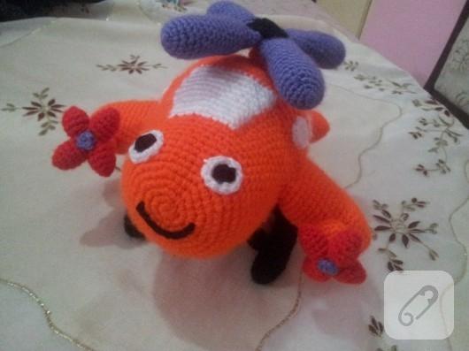 amigurumi-ucak-orgu-oyuncaklar