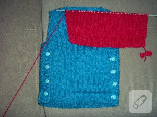 bebek-orguleri-mavi-yelek