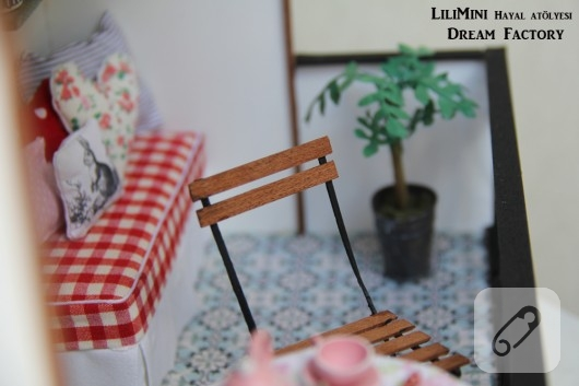 karton-ve-fimo-hamurundan-minyatur-balkon-yapimi-18