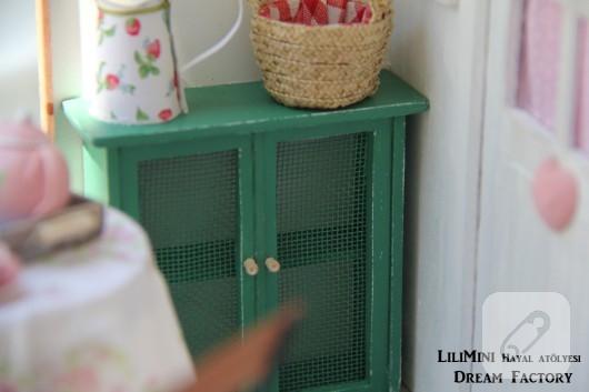 karton-ve-fimo-hamurundan-minyatur-balkon-yapimi-2