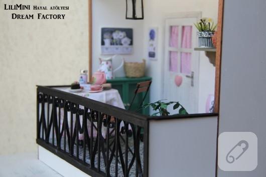 karton-ve-fimo-hamurundan-minyatur-balkon-yapimi-22
