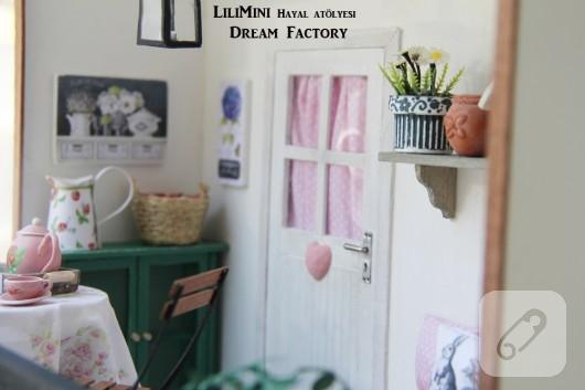 karton-ve-fimo-hamurundan-minyatur-balkon-yapimi-9