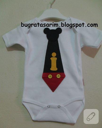 kece-mickey-mouse-kravat-suslemeli-bebek-badisi