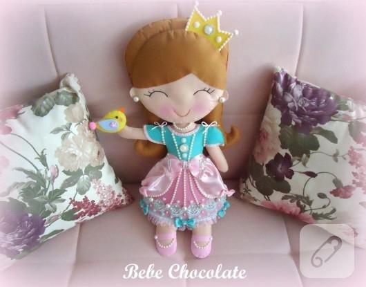 kece-prenses-bebekli-taki-yastigi