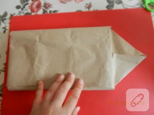 cikolata-kutusundan-zarflik-yapimi-geri-donusum-fikirleri-6