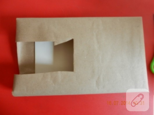 cikolata-kutusundan-zarflik-yapimi-geri-donusum-fikirleri-8