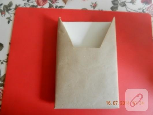 cikolata-kutusundan-zarflik-yapimi-geri-donusum-fikirleri-9