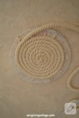 halat-ipten-capa-desenli-bardak-altligi-yapimi-5