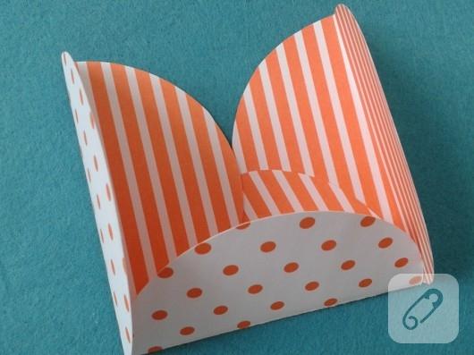 kartondan-hediye-paketi-yapimi-8