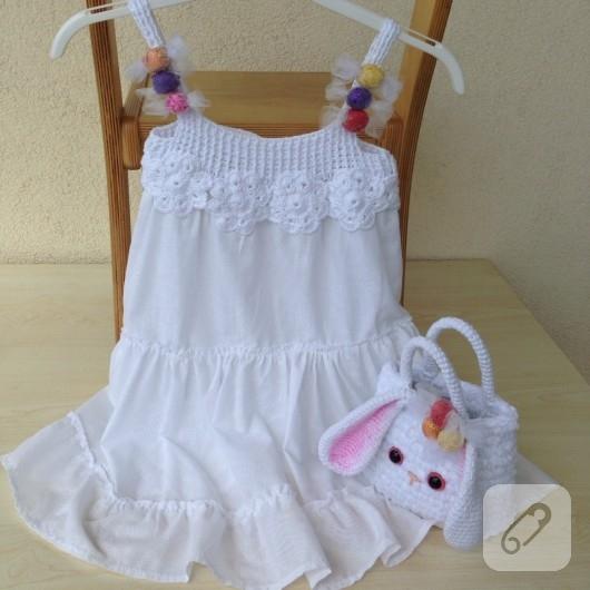 tig-isi-suslemeli-beyaz-cocuk-elbisesi-3