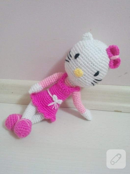 amigurumi-oyuncak-hello-kitty