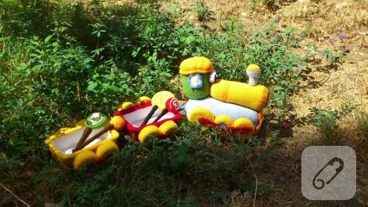 amigurumi-oyuncak-tren-5