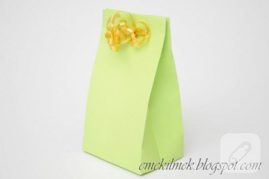 kartondan-hediye-poseti-yapimi-10