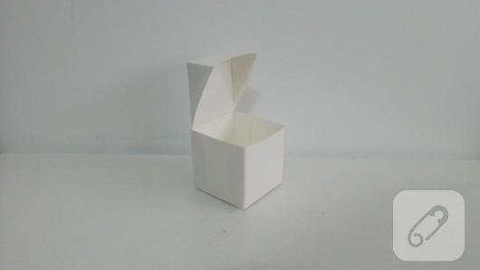 fiyonklu-hediye-kutusu-yapimi-4