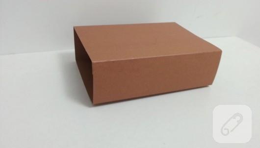 kartondan-bavul-seklinde-hediye-kutusu-yapimi-5