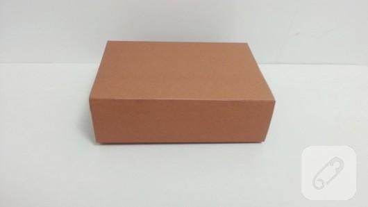 kartondan-bavul-seklinde-hediye-kutusu-yapimi-6