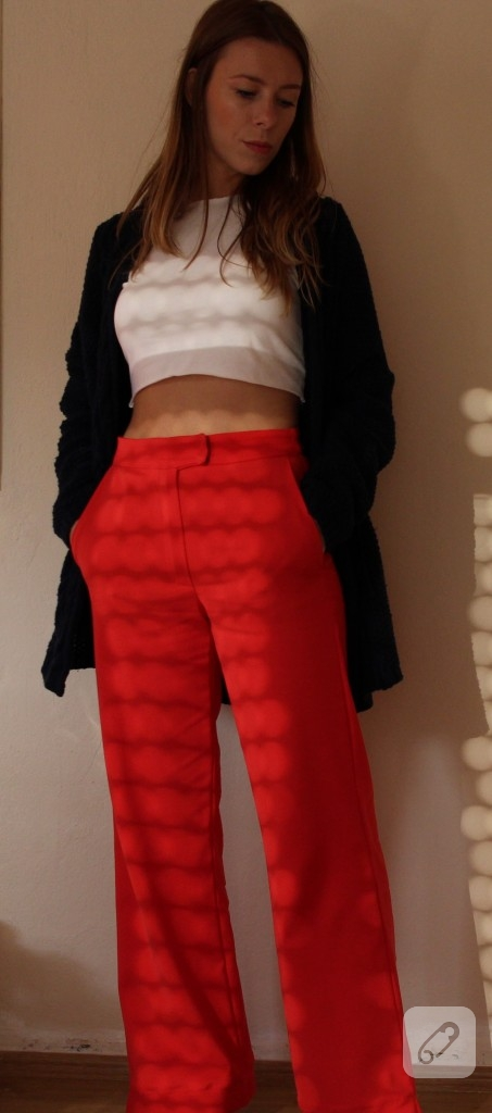kirmizi-kumas-pantolon-modelleri