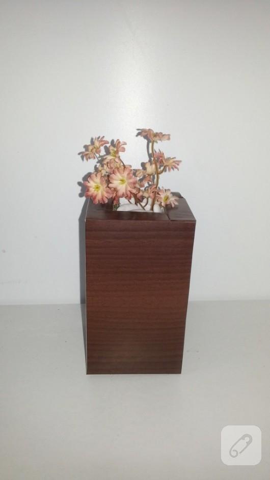 mukavva-kartondan-dekoratif-kitap-tutucu-yapimi-4