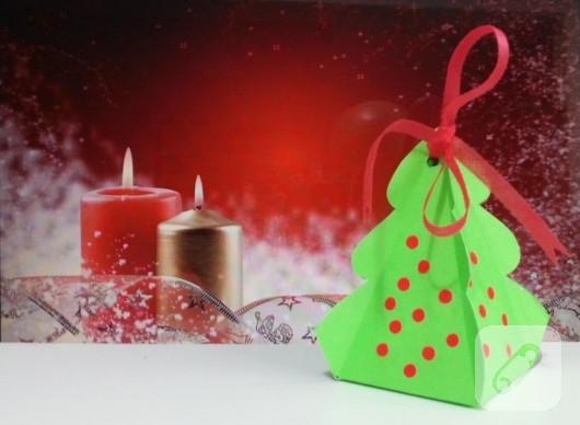 cam-agaci-seklinde-kartondan-hediye-kutusu-yapimi-1