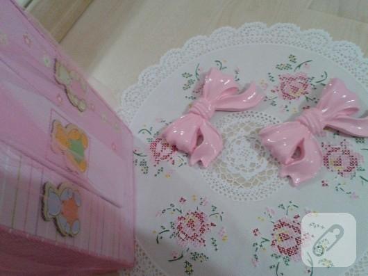 polyester-boyama-fiyonk-bebek-odasi-susleri-2
