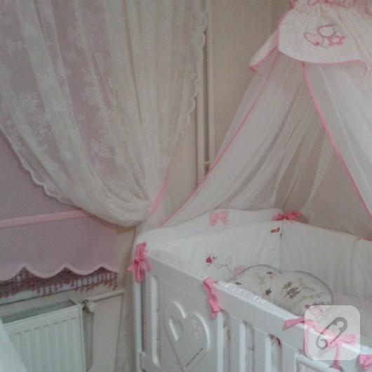 polyester-boyama-fiyonk-bebek-odasi-susleri-3