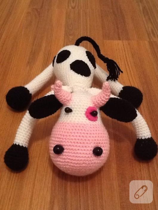 amigurumi-oyuncak-inek-