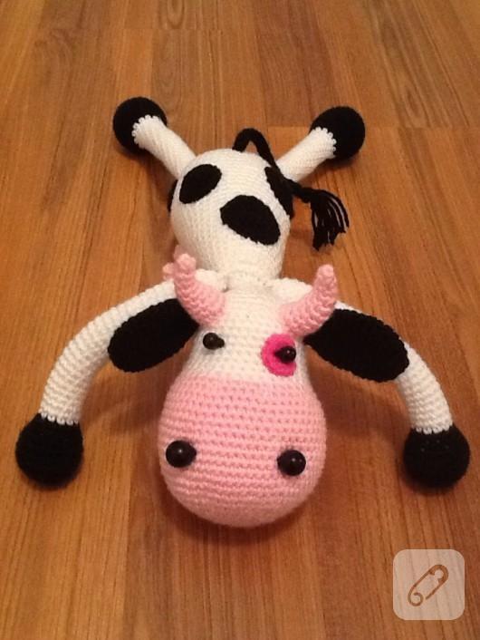 amigurumi-oyuncak-inek-4