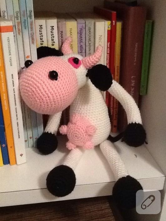 amigurumi-oyuncak-inek