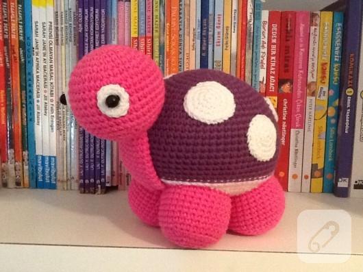 amigurumi-pembe-kaplumbaga-el-yapimi-orgu-oyuncaklar-3