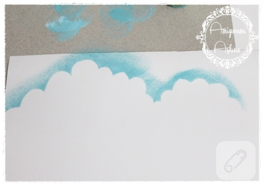 akrilik-boya-ile-bulutlu-kart-yapimi-8