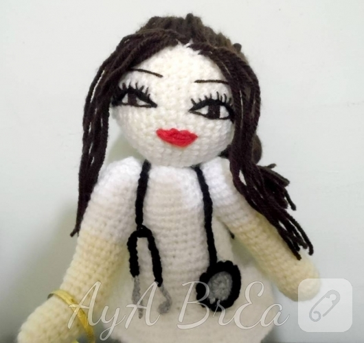 amigurumi-hemsire-bebek-modeli-2