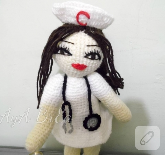 amigurumi-hemsire-bebek-modeli-4