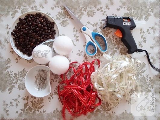 kahve-aromali-yilbasi-susu-toplari-yapimi-2