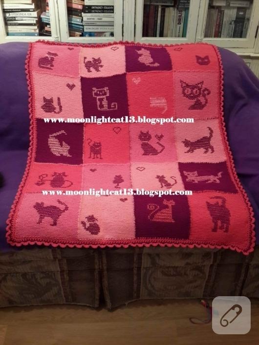 kedi-motifli-orgu-battaniye-modelleri