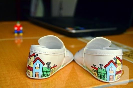 el-boyaması-bebek-ayakkabilari-