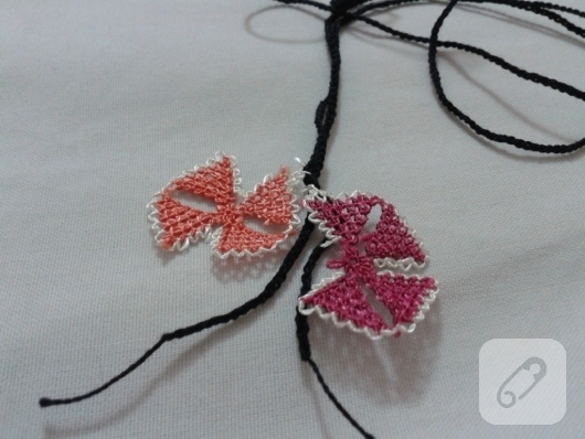 needle-Oyasu-how-to-embroidered-necklace-model-1