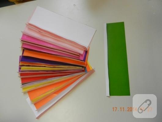 cocuk-etkinlikleri-renkli-kagitlardan-cicek-yapimi-1