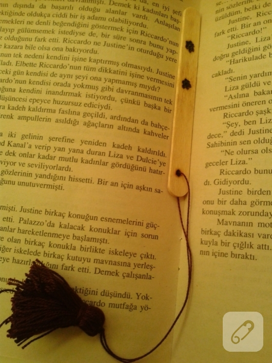 dondurma-cubuklarindan-kitap-ayraci-yapimi-14