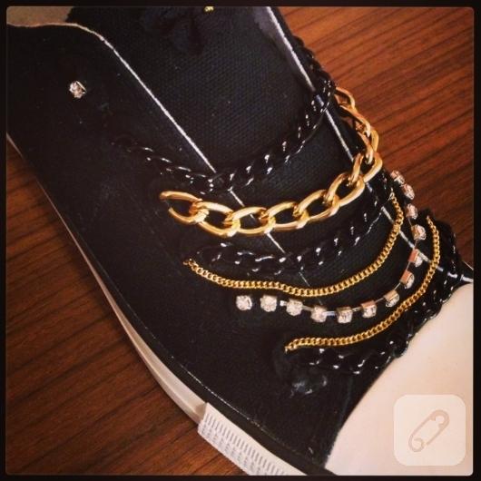 zincirlerle-ayakkabi-susleme-kendin-yap-ayakkabi-yenileme-fikirleri-2