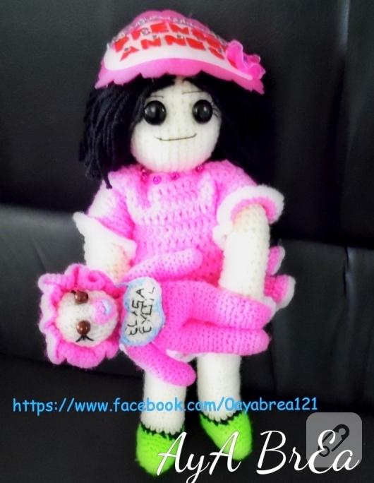 pembe-elbiseli-amigurumi-bebek-modelleri