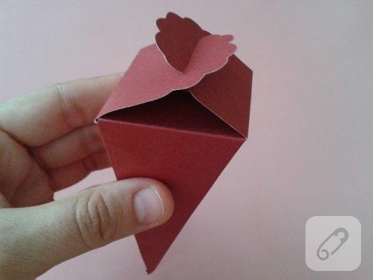 kartondan-hediye-paketi-yapimi-4