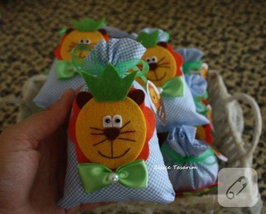 kece-aslan-figurlu-lavanta-kesesi-bebek-sekerleri-1